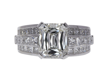 3.22 CT RADIANT MODIFIED CUT SOLITAIRE RING