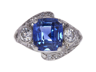 SAPPHIRE 5.95 CT CUSHION CUT RING